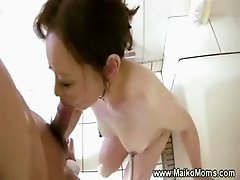Sexy mature japanese maiko sucks dick