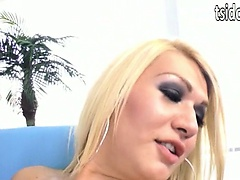 Shemale Gianna Rivera fucks Casey Cumz