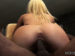 Gorgeous blonde gets a face fucking