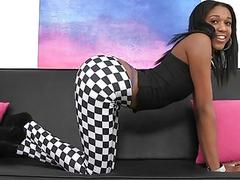 Ebon strips and exposes her shapes to enjoy sex