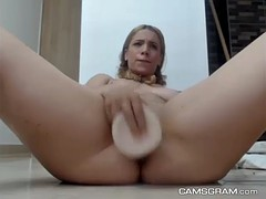 awesome solo masturbation with a nice squirt in the end