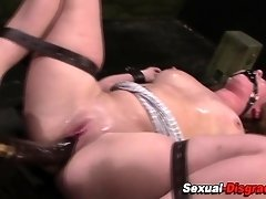 Restrained sub squirts
