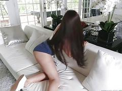 Tiny Jessie Lynne takes a huge hard dick