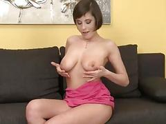 Sexy Ana Belle Fingering Her Pussy