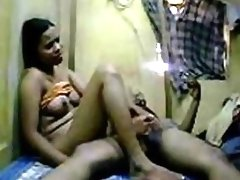 Big booty Pakistani woman and her boyfriend fuck homemade video