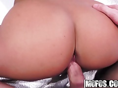 Mofos - Pervs On Patrol - Ryan Mclane and Davina Davis - Pin