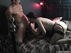amateur couple have a fuck session in bed