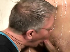 Lusty homosexual man gets the best enjoyment in a bdsm scene
