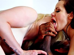 Guy mixes a brunette and blonde for his fat BBC