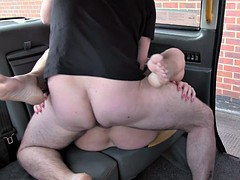 Amateur girlfriend fucked in the cab