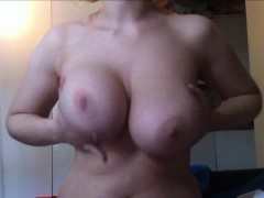 Busty mama giving an amazing boobjob