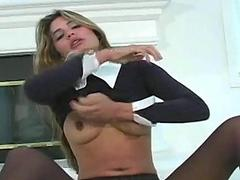 Hot teaser drills her twat