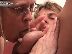 Nasty mature slut gets her pussy licked part1